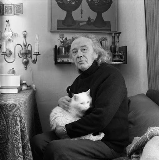 Краснопевцев Дмитрий «Ступенчатый камень в виде башни и мелкие камни» 1963 г.